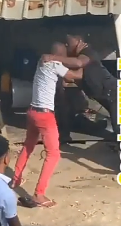 Video: Man Beats Husband of The Woman He Had Sex With As He Comes For A Fight