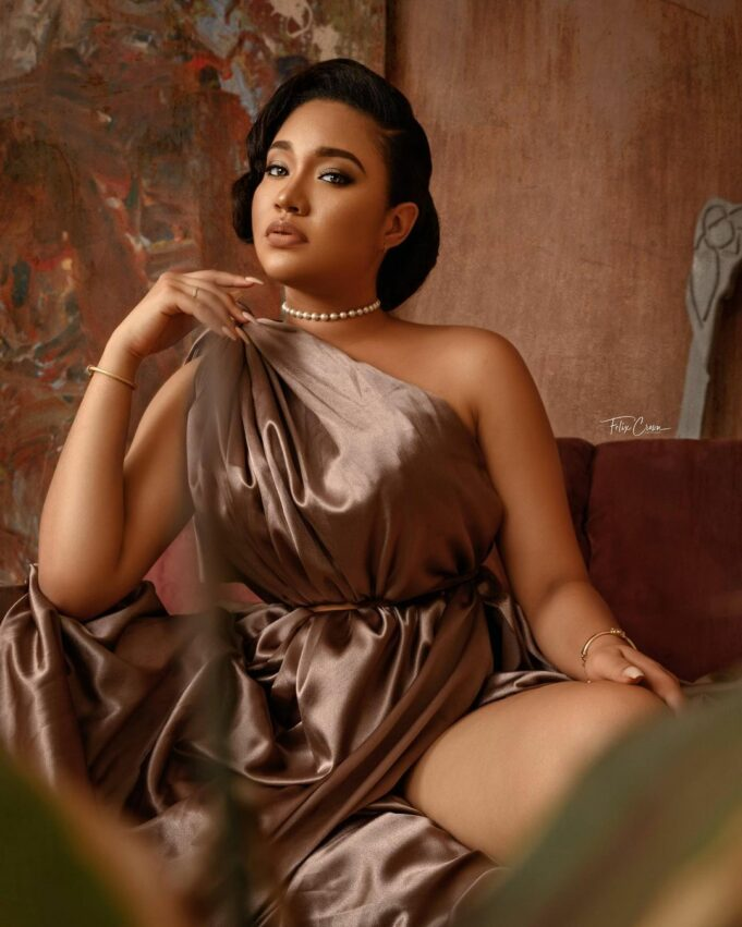 Ex-Beauty queen, Anna Banner celebrates 26th birthday with sultry photos